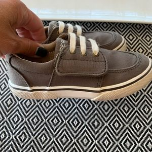 Sperry Ollie Jr in Truffle Shoes- size 9